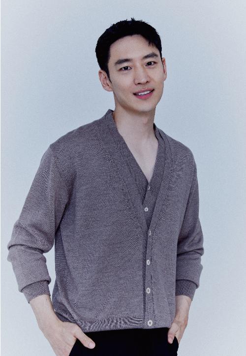 SBS 금토드라마 '모범택시'에서 김도기 역을 연기한 배우 이제훈. PRJ 제공