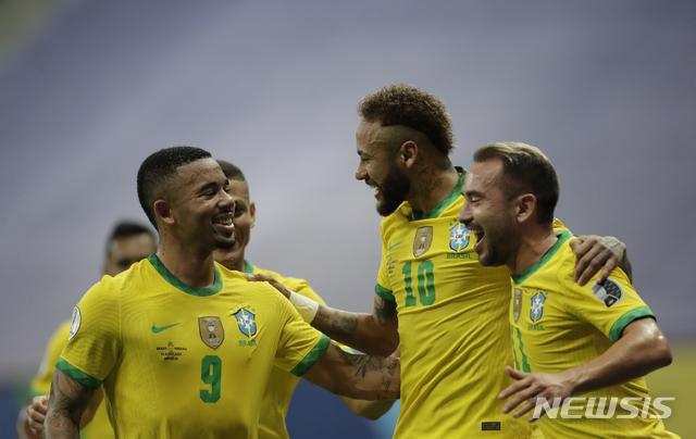 [브라질리아=AP/뉴시스] 브라질이 코파아메리카 개막전을 승리했다. 2021.06.13.
