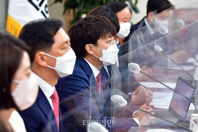 국민의힘 이준석 대표가 17일 오전 국회에서 열린 최고위원회의에서 모두발언을 하고 있다. ⓒ데일리안 박항구 기자