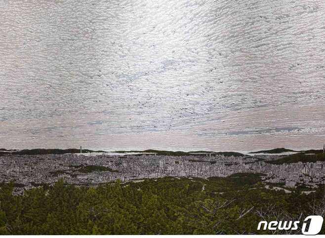 우병출 작 '씨잉' 연작 중 북악스카이웨이에서 바라본 서울(일부)© 뉴스1