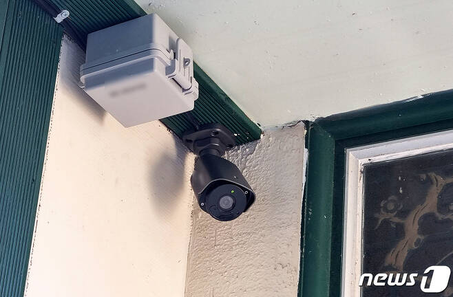 19일 오후 제주 중학생 살해사건 현장인 제주시 조천읍의 한 주택에 CCTV가 설치돼 있다.2021.7.20/뉴스1© News1
