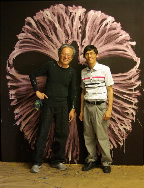 작가 이건용(왼쪽)과 김수열 화상.