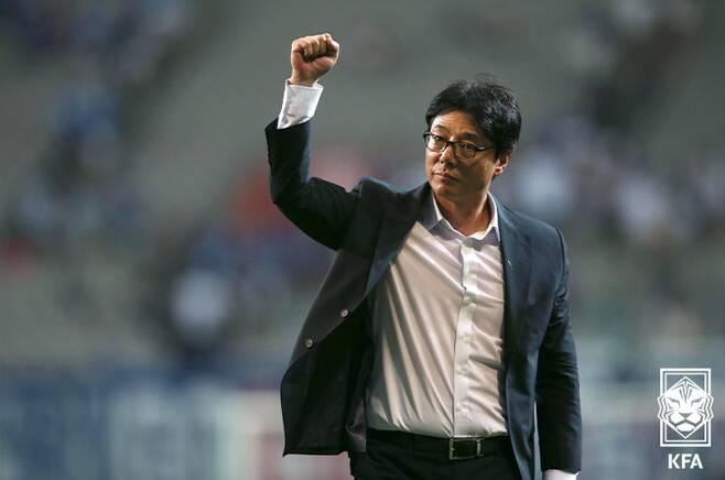 황선홍 전 대전하나시티즌 감독이 U-23 대표팀의 지휘봉을 잡게 됐다.(대한축구협회 제공)