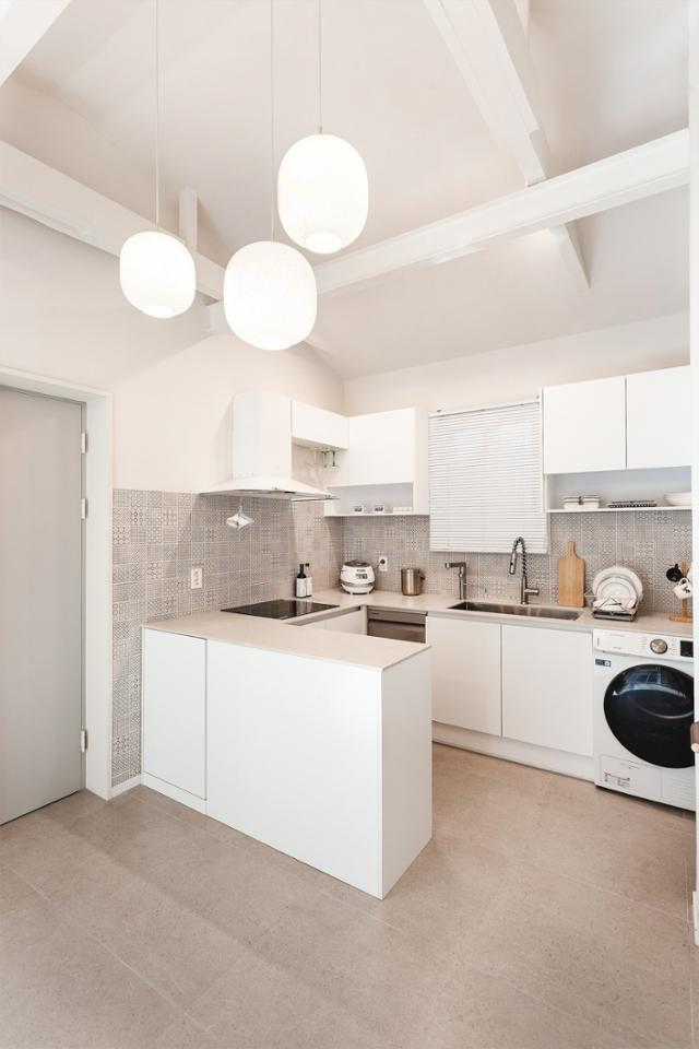 일반 아파트보다 1m가량 높은 천장은 실내를 더 넓어 보이게 한다. 일상공간 제공