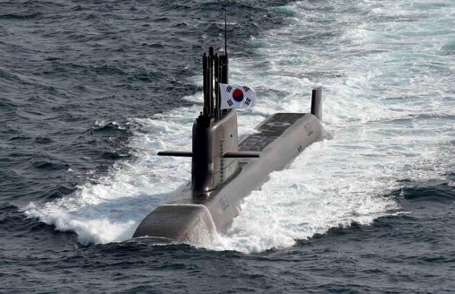 지난 15일 비행시험에서 SLBM을 발사한 도산 안창호함. 연합뉴스