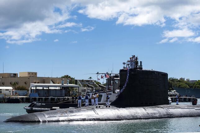 미국 해군의 버지니아급 핵추진잠수함 '일리노이'(SSN 786)가 13일 하와이 진주만에 정박하고 있다. 미국 해군 제공. AP 연합뉴스 자료사진