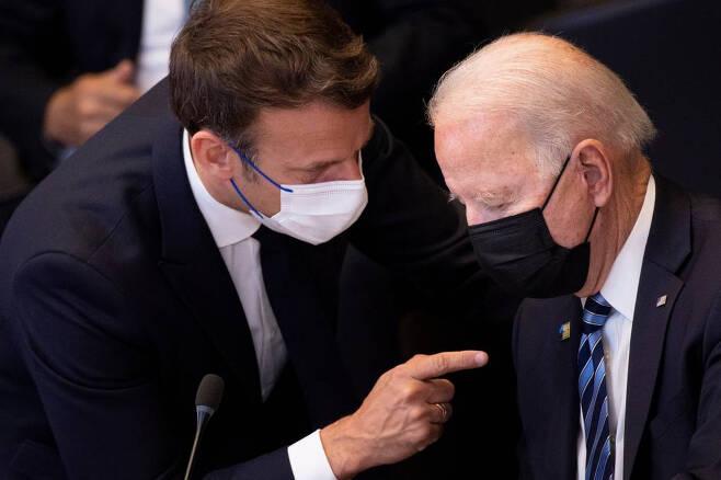 바이든 미국 대통령과  마크롱 프랑스 대통령