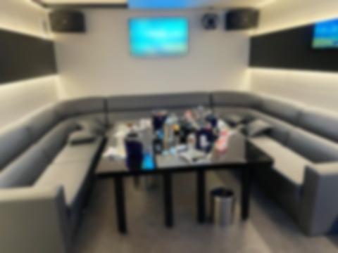[부산=뉴시스] 불법 영업을 하다가 경찰에 적발된 부산의 한 노래방. (사진=부산경찰청 제공) *재판매 및 DB 금지