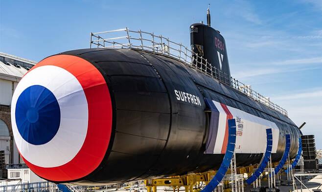 프랑스 해군 바라쿠다급 핵추진잠수함 1번함 쉬프랑함이 건선거 위에 올려져 있다. 세계일보 자료사진