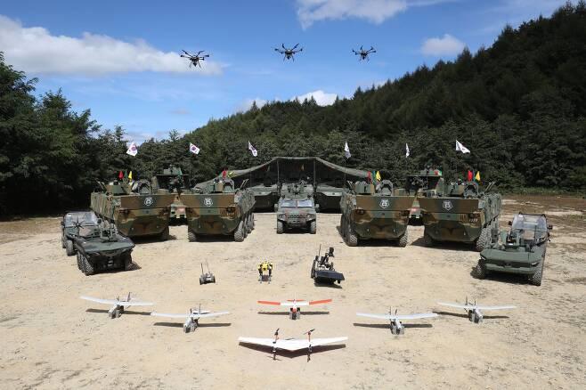 'Army TIGER 4.0'은 첨단 과학기술을 접목한 미래 지상전투체계로 드론봇 전투체계, 워리어플랫폼과 함께 육군을 대표하는 3대 전투체계이자 모든 체계를 아우르는 최상위 전투체계이다. 사진공동취재단