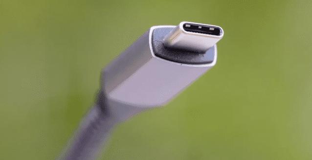 유럽연합은 최근 모바일 기기 충전방식을 USB-C로 통일하겠다고 밝혔다.  (사진=씨넷)