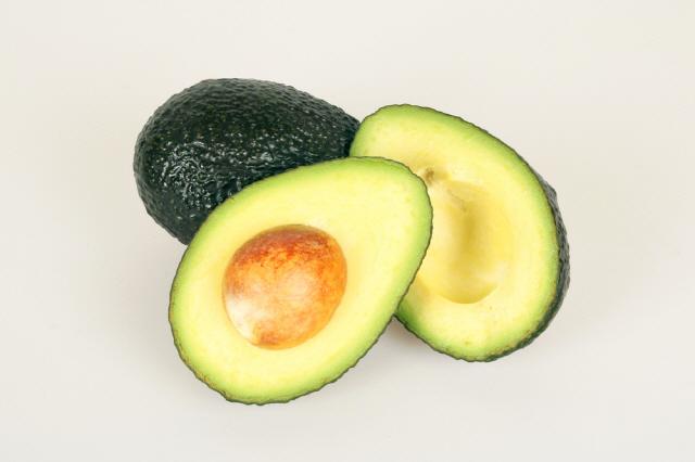 아보카도는 성호르몬 생성에 필요한 물질인 붕소가 가장 풍부한 식재료 중 하나다./사진=클립아트코리아