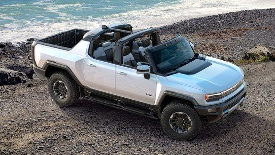 GM이 올해 출시할 예정인 GMC 허머 EV. GM은 허머 EV를 시작으로 실버라도 등 전기 픽업트럭을 꾸준히 발표할 계획이다. 사진 GM