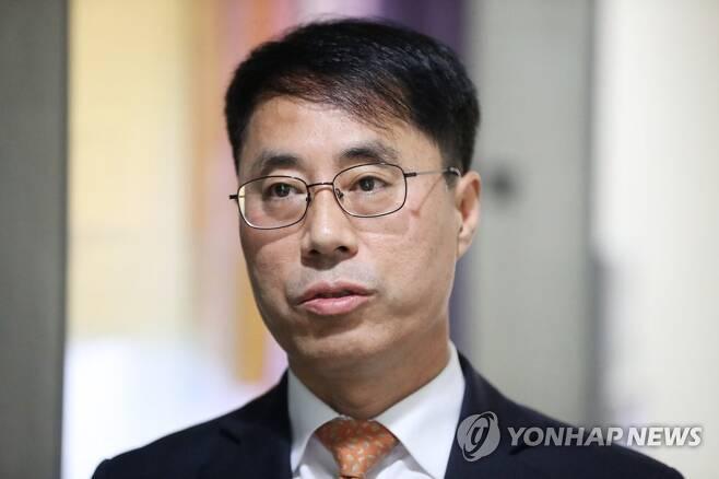 유해용 전 대법원 수석재판연구관 [연합뉴스 자료사진]