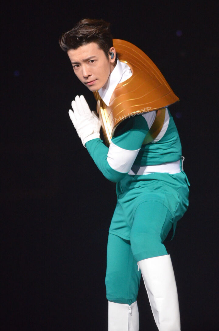 180127 Super Show 7 in Singapore - Green ranger aka Lee Donghae out
