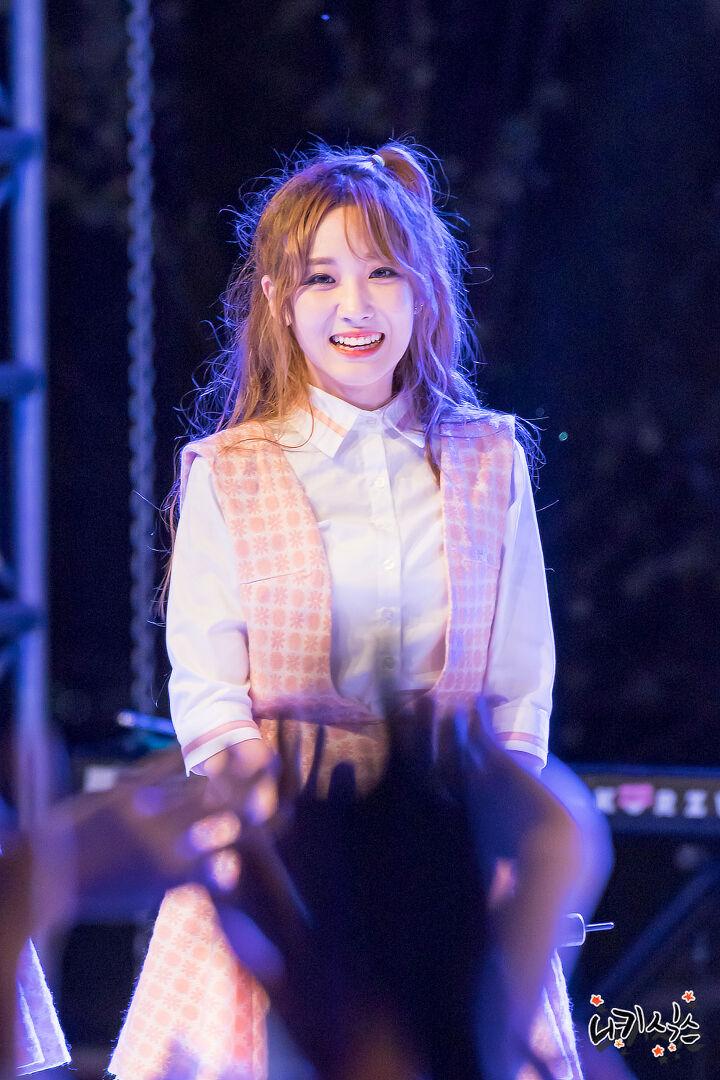 16.09.29 러블리즈(Lovelyz) 유지애 경찰대학교 축제 축하공연 직찍 ...