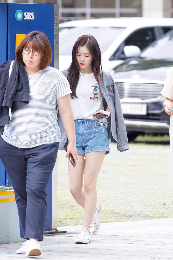 170823 레드벨벳 SBS라디오 출근 직찍 (아이린, 슬기)   Velvet fashion