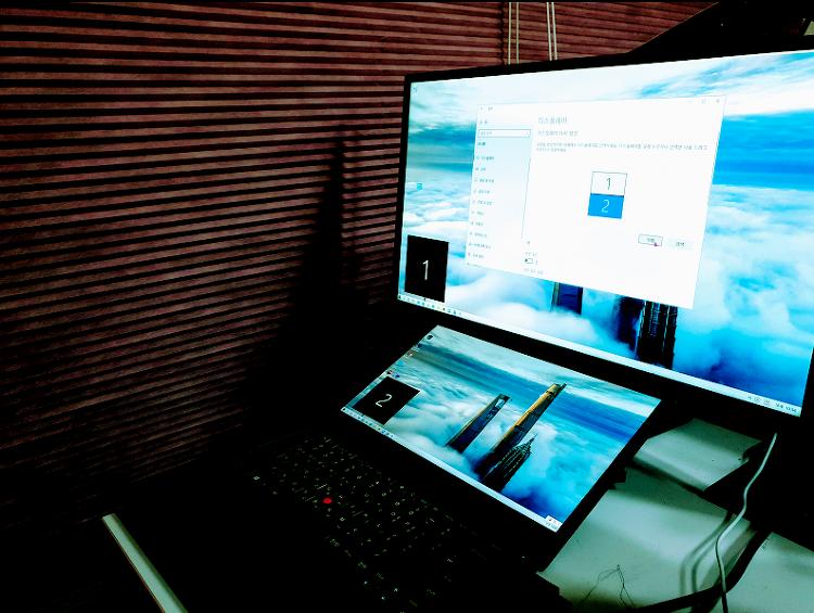 윈도우10 듀얼모니터 연결하는 방법과 팁