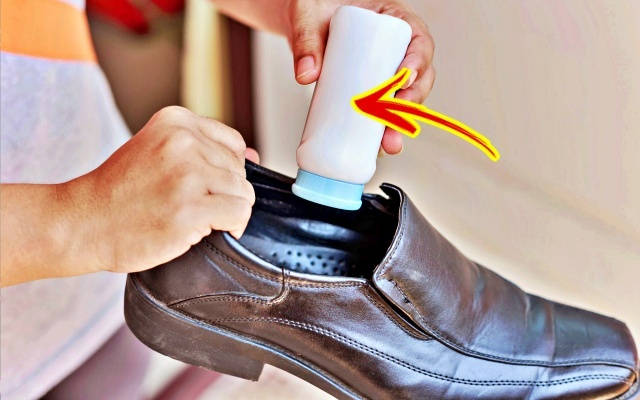 샌들·구두 발냄새 없애는 법 5가지 (신발 냄새 제거)