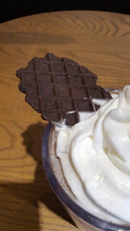 스타벅스 블랙 와플칩 크림 프라푸치노 리뷰(맛,가격,칼로리 등)