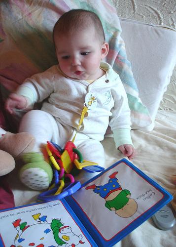 신생아 책 읽어 주기