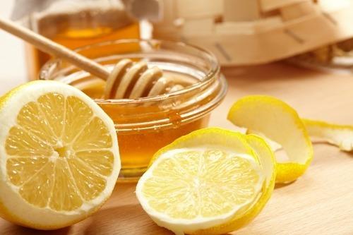 레몬과 꿀물이 만나면? 매일 먹는'레몬 꿀물 주스'가 가져다 주는 놀라운 신체 변화 6가지