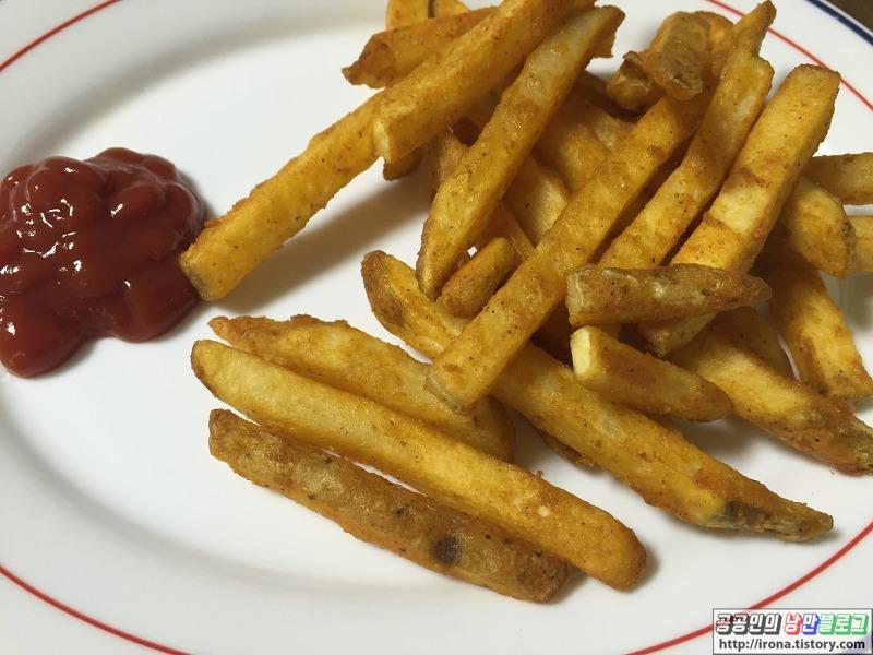 러빙홈 에어프라이어로 맘스터치st 냉동 감자튀김 (스파이시 ...