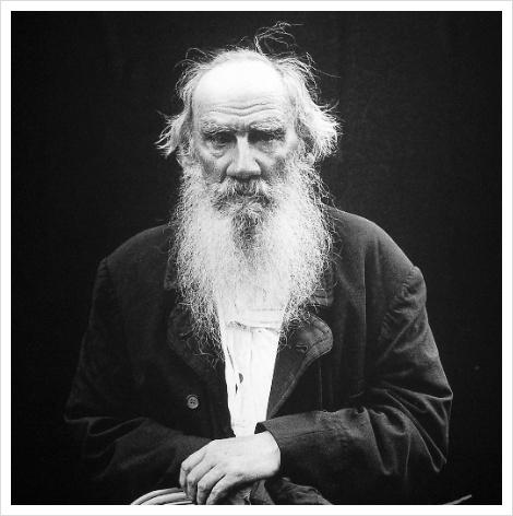 톨스토이, 사실주의 문학의 대가, 비판적 지식인