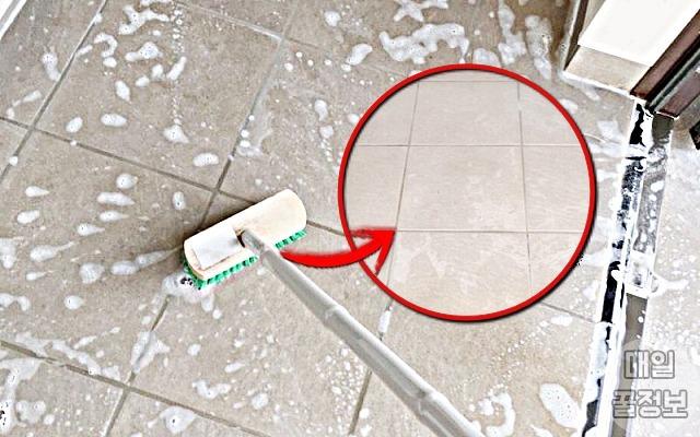 물 안뿌리고 '여름내 더러워진 현관바닥' 청소하는 법