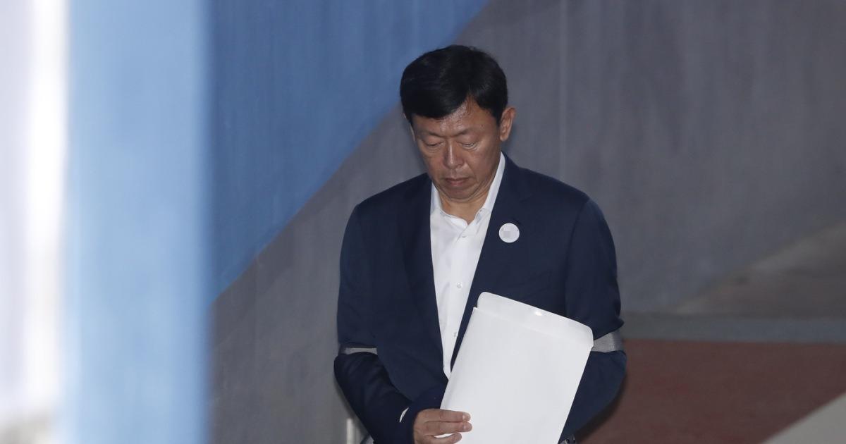 '박근혜 뇌물' 신동빈 2심서 징역 14년·벌금 1000억 구형(속보)