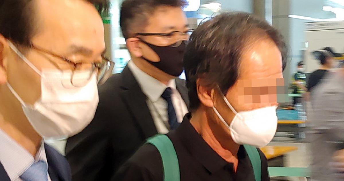 """'가봉 해적 피랍' 선원 귀국..""""한국 외교관만 구하러 와"""""""