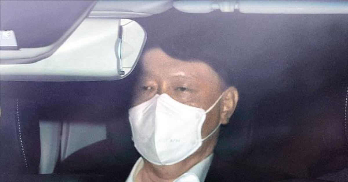 '지지율 30%→7%' 尹의 추락..급기야 '총장 조기 사퇴설' 돈다
