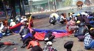 미얀마 보안군, 또 시위대 향해 무차별 총격.. 10여명 사망