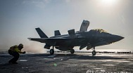 미, 탈레반 잇따라 공습..바이든, 아프간 대통령에