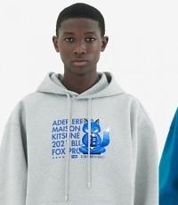 메종키츠네, 아더 에러와 협업 통해 '블루 폭스' 디자인 선봬
