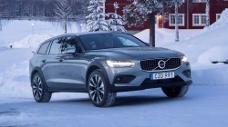 Volvo-V60_Cross_Country-2019-1280-02.jpg