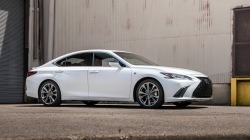 Lexus-ES-2019-1280-14.jpg