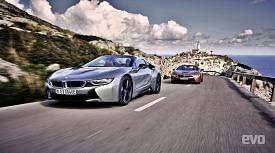 이런 매력 또 있을까? BMW i8 로드스터