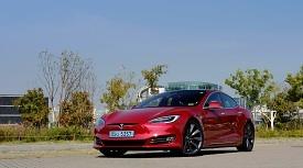 [시승기] 강렬한 전기의 힘, 그리고 미래와의 만남 '테슬라 모델 S P100D'
