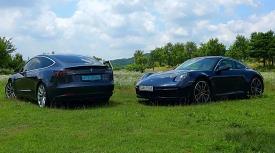 금성에서 온 외계인, 화성으로 갈 외계인포르쉐 911 카레라 S vs 테슬라 모델3