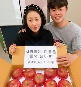 김영희, 10살 연하 ♥윤승열 사랑 받아 더 예뻐졌네..