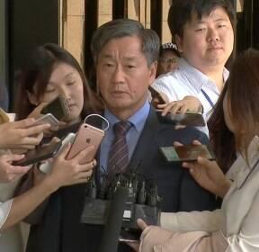 [현장영상] '민간인 댓글 공작' 혐의..이종명 前 국정원 3차장 검찰 소환