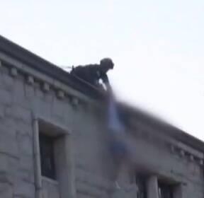 [뉴스터치]중국인 여학생 지붕 소동 外