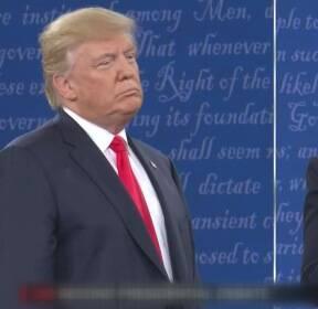 """트럼프 """"최악의 루저"""" vs  힐러리 """"푸틴 꼭두각시"""""""