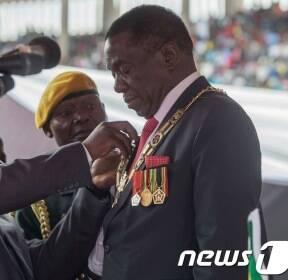 짐바브웨 '포스트 무가베'..음난가그와 대통령 취임(종합)