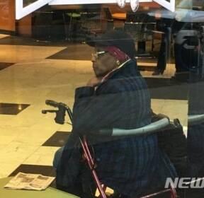 지팡이 짚은 美 86세 할머니, 은행 강도 벌이다 체포