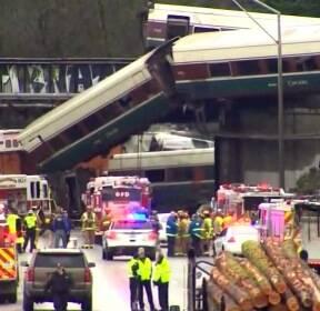 美 출근길 열차 탈선..최소 6명 사망·수십 명 부상