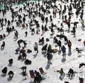 산천어축제 열기 국경넘어 세계속으로..지구촌축제로 우뚝