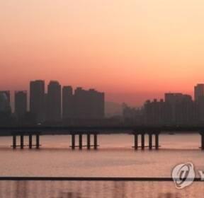 서울 사흘 만에 미세먼지 농도 '보통'