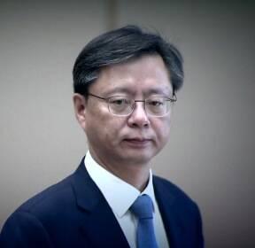 """우병우 결국 실형..법원 """"국가 혼란 초래"""""""